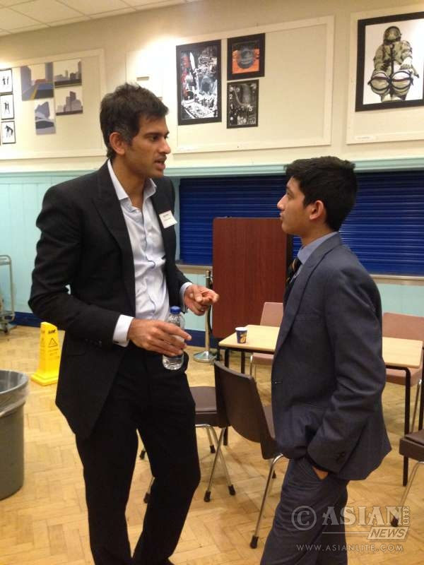 Dr Chatterjee shares his experience with a young student at MGS