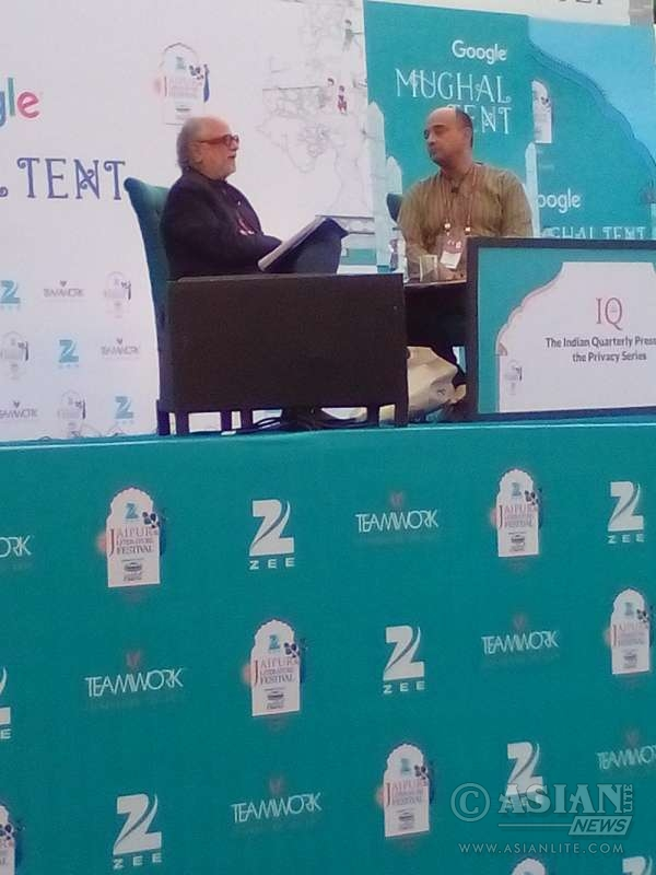 Indian cultural theorist Homi K Bhabha and Ghanaian philosopher Kwame Anthony Appiah discuss notions of honour and honour killings at the Jaipur Literature Festival
