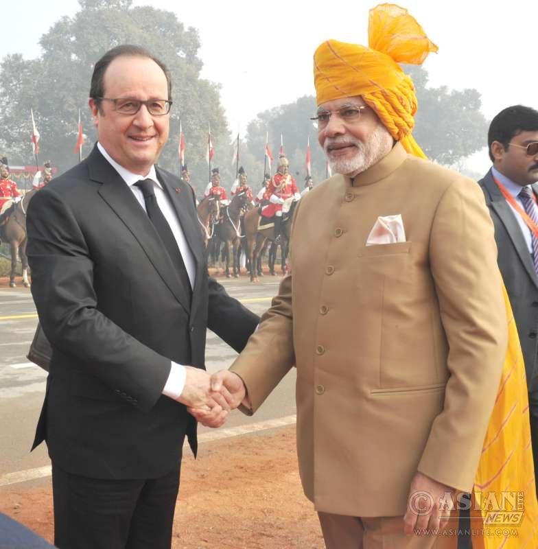 Modi and the Chief Guest of Republic Day, President of France, Mr. Francois Hollande at Rajpath