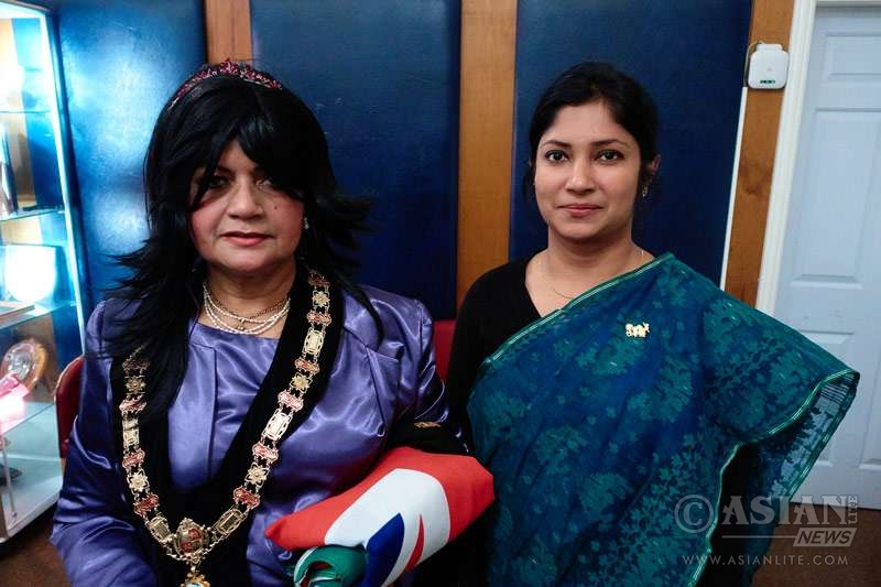Mrs Ferdousi Shahriar, Bangladeshi Asstt High Commissioner, with Mayor of Colwyn Bay Councillor Sibani Roy at the reception