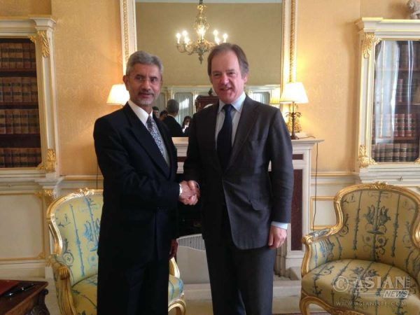 Indian Foreign Secretary Jaishankar with Mr Hugo Swire, Minister of State at the Foreign and Commonwealth Office