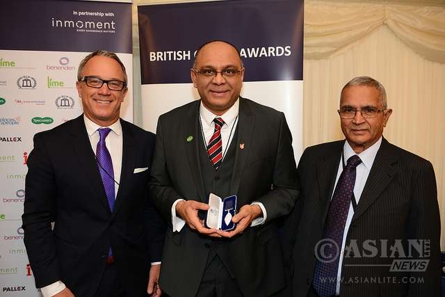 Mayoor Patel with Lonnie Mayne (L) & Lord Dholakia (R)