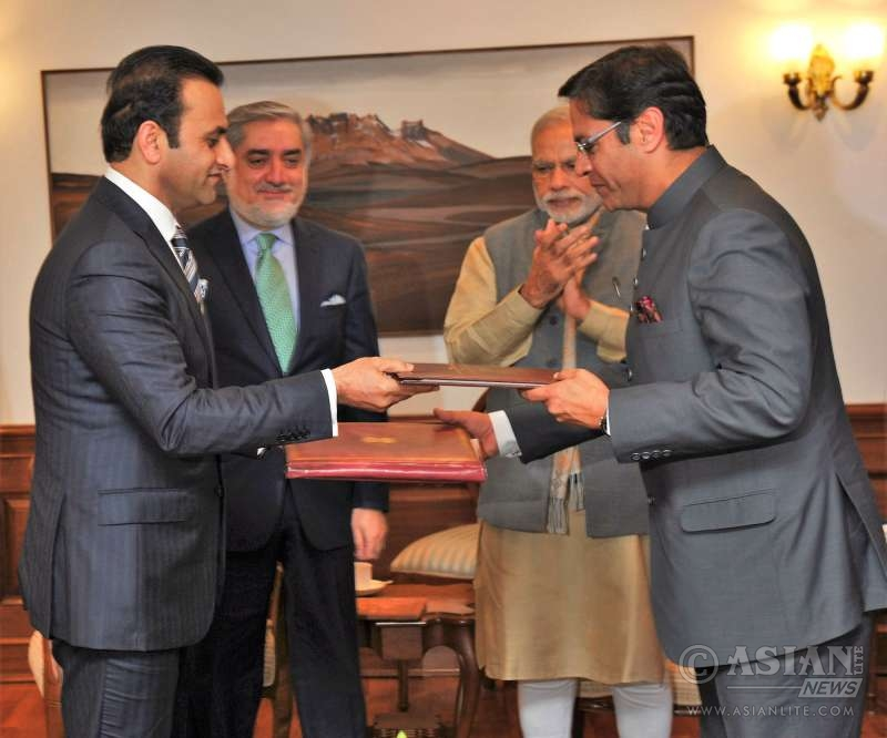 Prime Minister Modi and CEO of Afghanistan Abdullah Abdullah witnessing the exchange of agreement for visa free travel for diplomatic passport holders of India and Afghanistan, in New Delhi