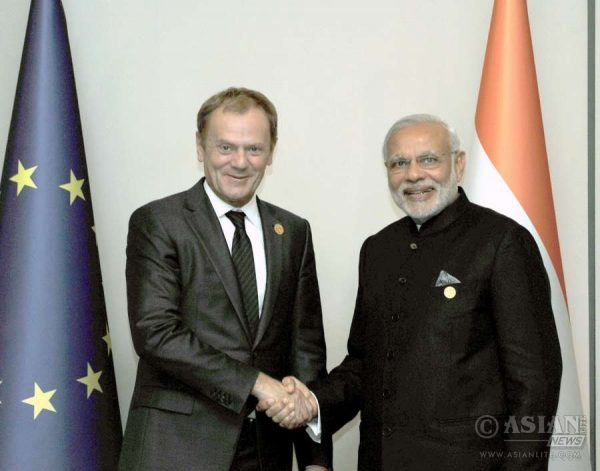 Prime Minister Narendra Modi with EU Council President Mr. Donald Tusk at G20 Summit 2015 in Turkey