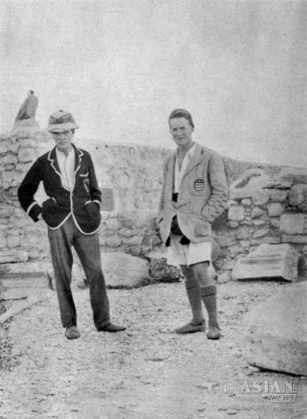 T. E. Lawrence (left) at a dig in Syria in 1912