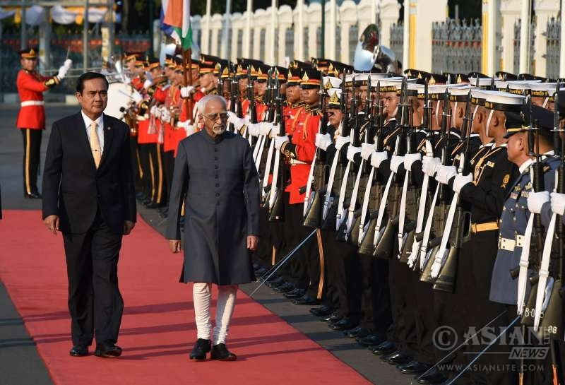 Vice President Hamid Ansari Inspecting a guard of honour