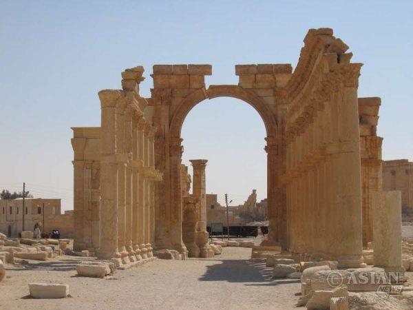 Hadrians Gate - Palmyra, Syria