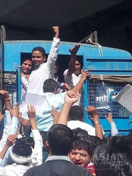 "Surat: Police take away the members of Patidar Anamat Andolan Samiti (PAAS) during ""Jail Bharo Andolan"" in Surat of Gujara"