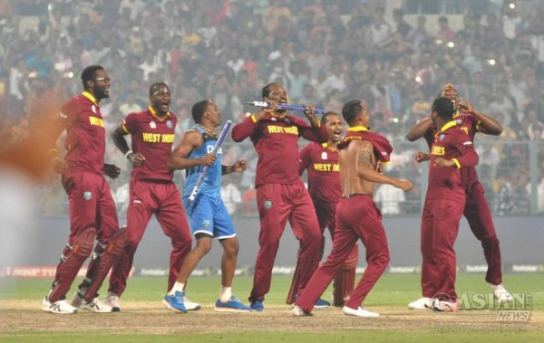 Windies men and women celebrate victory with Champions Dance