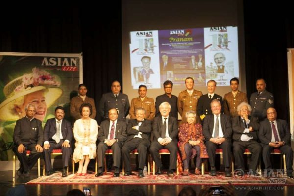 Members of the British Armed Forces with the winners of Asian Lite Pranam Awards at CelebrASIANS 2016