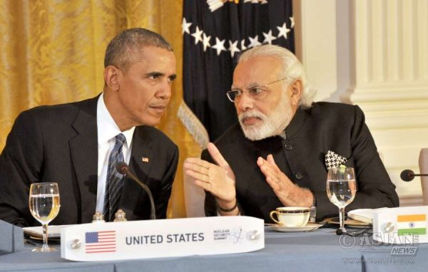 Modi at the dinner hosted by the President of United States of America (USA), Mr. Barack Obama, at the White House, in Washington DC