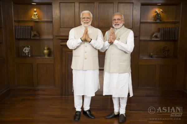 Narendra Modi meets his Madame Tussauds Wax figure