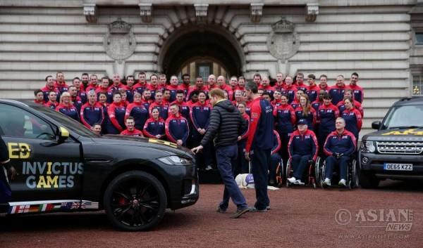 Prince Harry unveils 2016 Invictus Games UK Team at Buckingham Palace_2