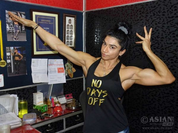 Yashmeen Manak, who was adjudged Miss India 2016 at a bodybuilding competition, shows off her biceps 2