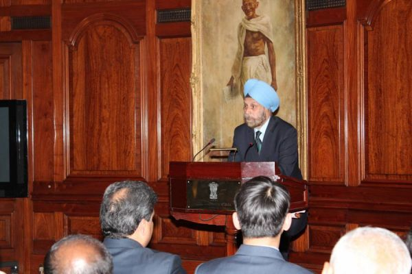 Mr Navtej Sarna, High Commissioner of India to UK, addressing the audience