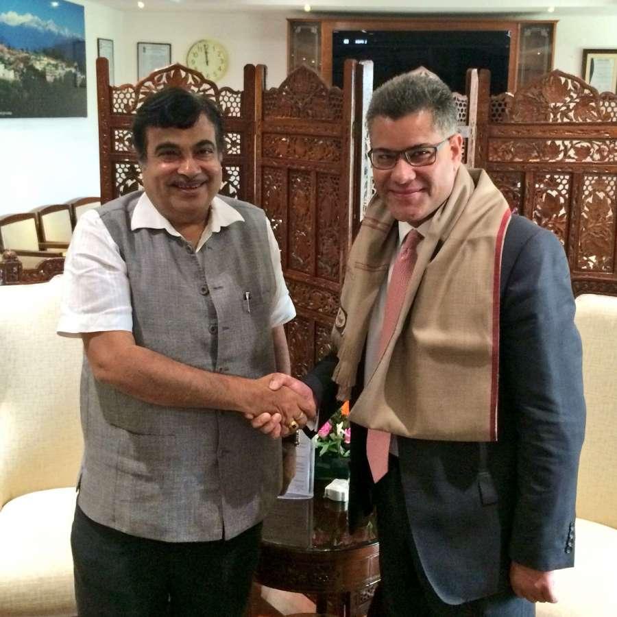 Mr Alok Sharma MP, British Foreign Office Minister, with Nitin Gadkari