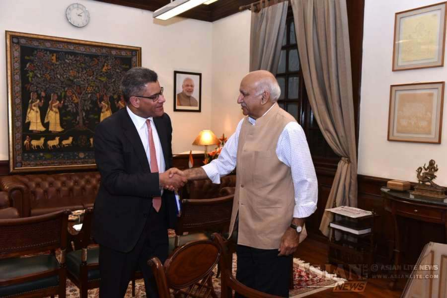Foreign Office Minister Alok Sharma with Indian minister MJ Akbar