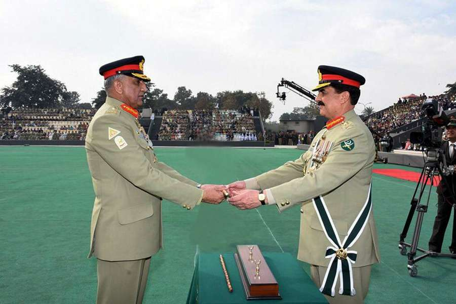 (WORLD SECTION) PAKISTAN-RAWALPINDI-ARMY-CHANGE OF COMMAND