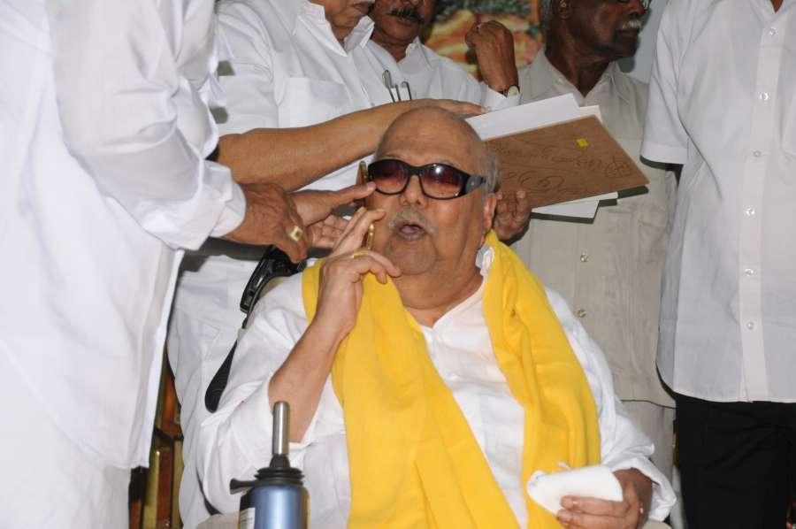 Chennai: DMK supremo M Karunanidhi during a programme organised to celebrate his birthday in Chennai, on June 3, 2016. (Photo: IANS)