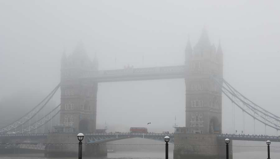 BRITAIN-LONDON-FOG