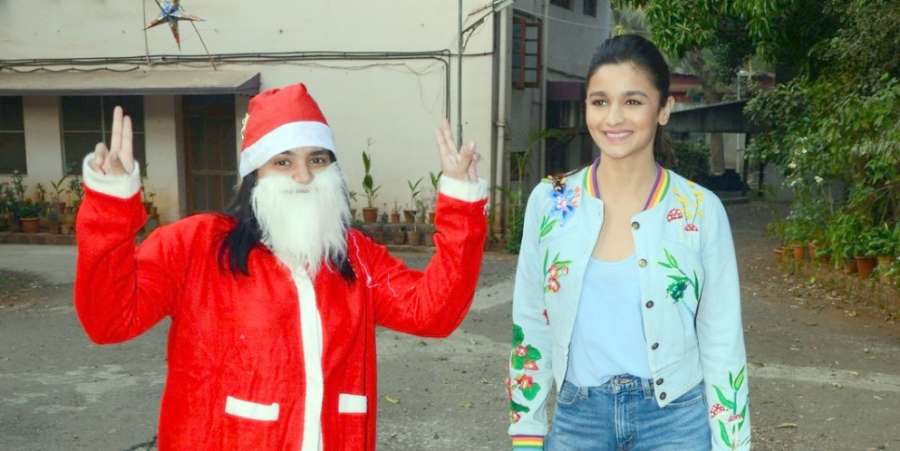 Mumbai:Actress Alia Bhatt celebrates Christmas in Mumbaion Dec 26, 2016. (Photo: IANS)