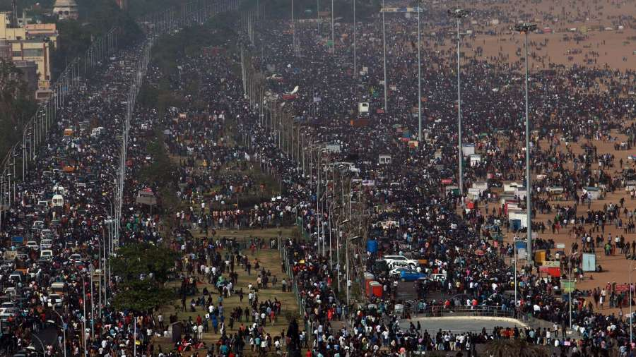 Chennai: People in large numbers stage a demonstration in favour of Jallikattu in Chennai on Jan 20, 2017. (Photo: Parthibhan/IANS) by .