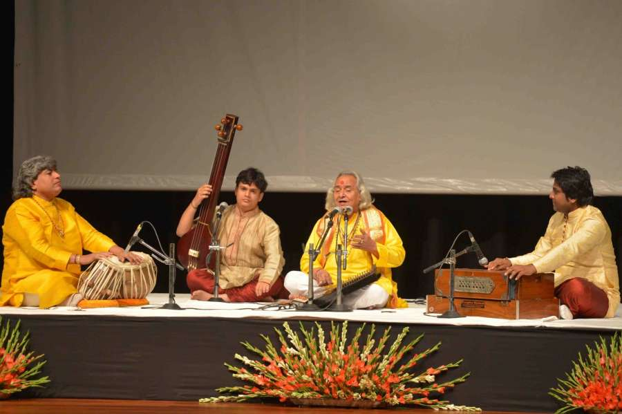 New Delhi: Pandit Chhannulal Mishra and others perform Hindustani Classical music performance at Rashtrapati Bhavan, in New Delhi on Aug 20, 2016. (Photo: IANS/RB)
