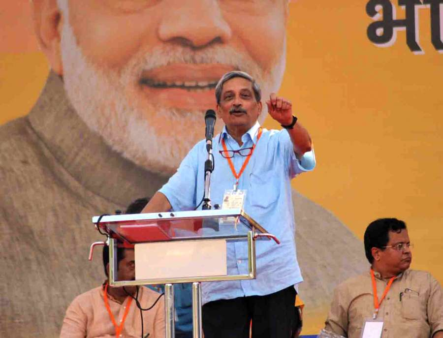 Panaji: Union Defense Minister Manohar Parrikar addresses during a public rally ahead of Goa Assembly elections in Panaji on Jan 28, 2017. (Photo: IANS) by .