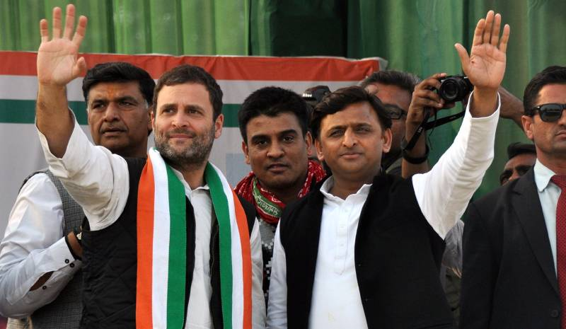 Kanpur: Congress vice president Rahul Gandhi and Uttar Pradesh Chief Minister Akhilesh Yadav during a rally ahead of Uttar Pradesh Assembly polls in Kanpur on Feb 5, 2017. (Photo: IANS) by .