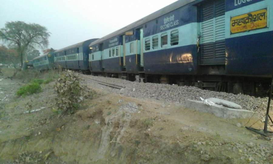 Jhansi: The bogies of Mahakaushal Express that derailed near Kulpahar station in Uttar Pradesh on March 30, 2017. Over 40 passengers were injured after eight coaches of the express train that runs between Jabalpur in Madhya Pradesh and Hazrat Nizamuddin in New Delhi derailed around 2 a.m between Laadpur and Supa. (Photo: IANS) by .