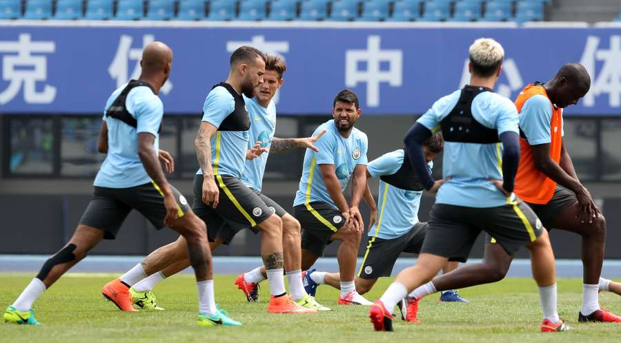 (SP)CHINA-BEIJING-SOCCER-ICC-MAN CITY-TRAINING (CN) by .