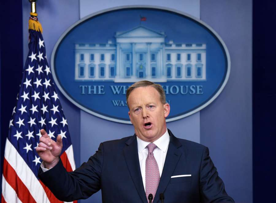 U.S.-WASHINGTON D.C.-SEAN SPICER-NEWS BRIEFING by .