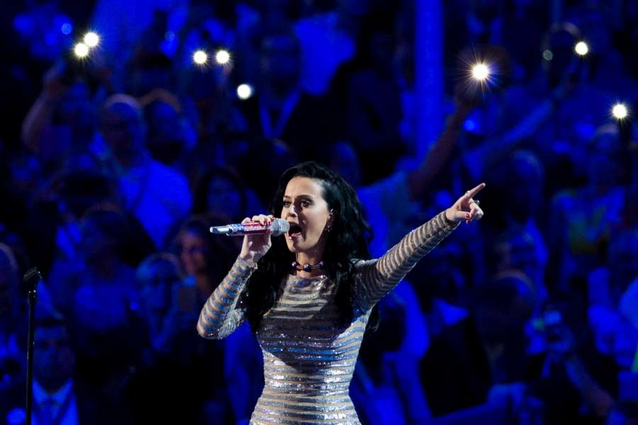 PHILADELPHIA, July 29, 2016 (Xinhua) -- Singer Katy Perry performs on the last day of the 2016 Democratic National Convention in Philadelphia, Pennsylvania, the United States, July 28, 2016. (Xinhua/Li Muzi/IANS) by .
