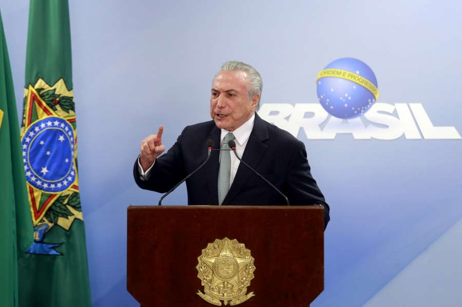 BRASILIA, May 18, 2017 (Xinhua) -- Brazilian President Michel Temer issues a statement at Planalto Palace in Brasilia, capital of Brazil, on May 18, 2017. Brazilian President Michel Temer refused to resign on Thursday despite being implicated in corruption allegations. (Xinhua/AGENCIA ESTADO/IANS) by .