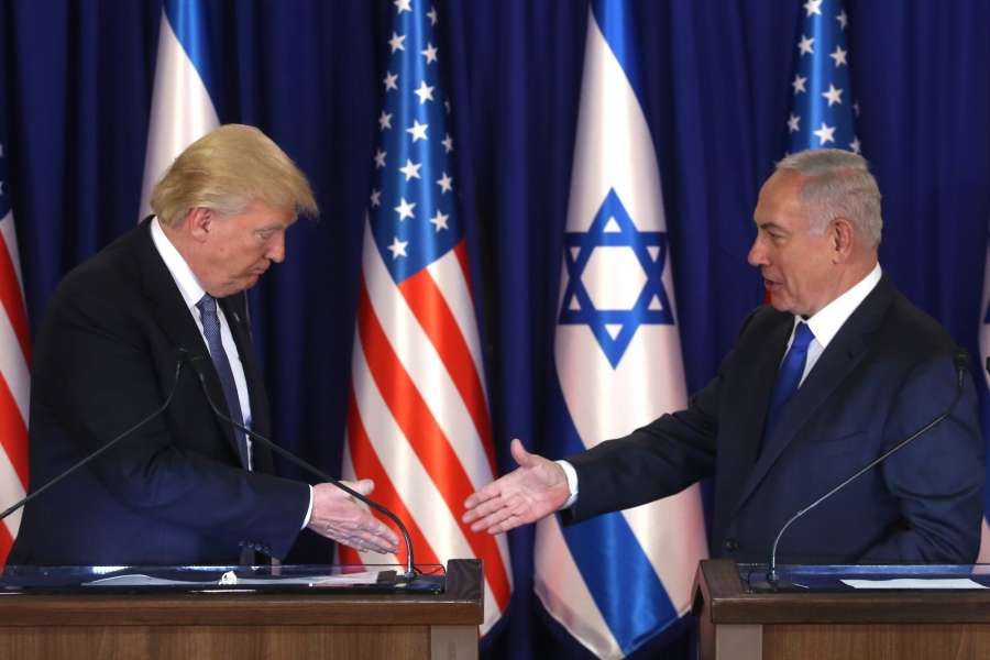 JERUSALEM, May 22, 2017 (Xinhua) -- U.S. President Donald Trump (L) meets with Israeli Prime Minister Benjamin Netanyahu in Jerusalem, on May 22, 2017. Speaking on the first day of his visit to Israel and the West Bank, U.S. President Donald Trump urged Israeli Prime Minister Benjamin Netanyahu to start a