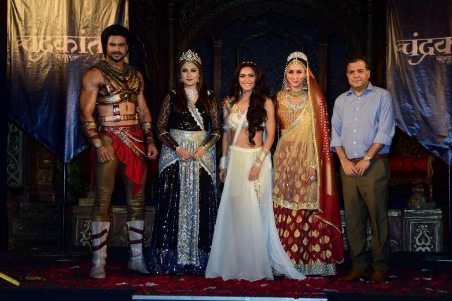 Mumbai: Television actors Vishal Aditya Singh, Urvashi Dholakia, Madhurima Tuli, Shilpa Sakhlani and Raj Nayak, CEO, Colors during launch of serial