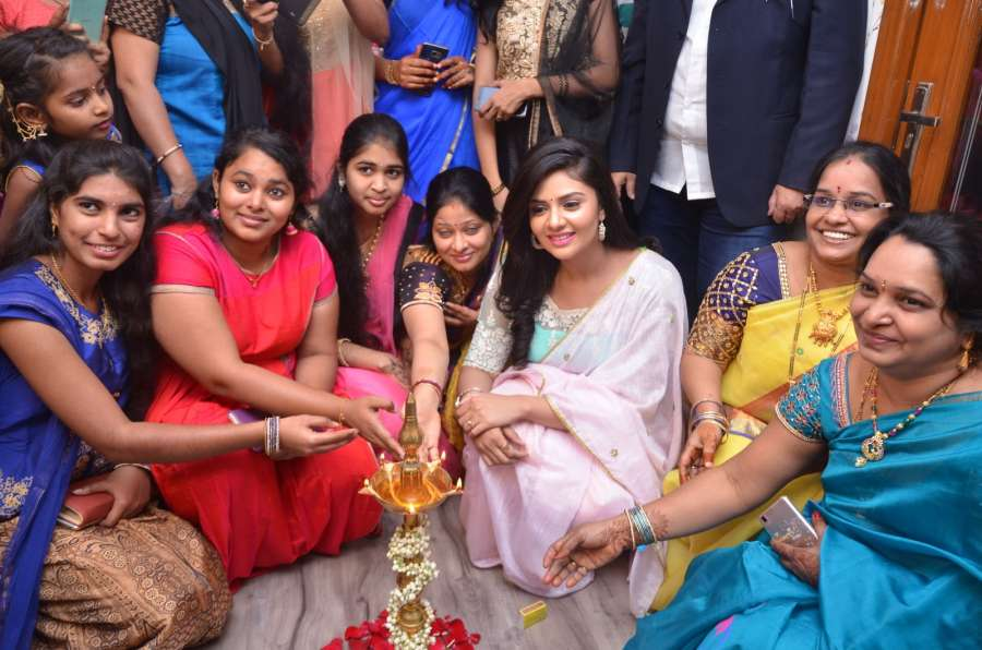 Hyderabad: Actress Sreemukhi launches Maanvi's Beauty Studio & Spa at Ameerpet in Hyderabad on Feb 5, 2017. (Photo: IANS) by .