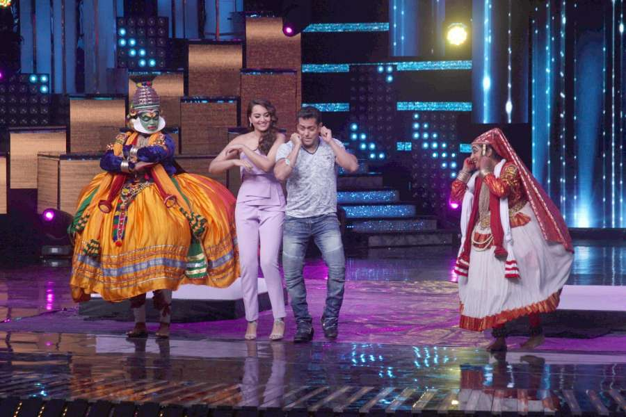 Mumbai: Actors Salman Khan and Sonakshi Sinha during the promotion of film Tubelight on the sets of Star Plus TV show Nach Baliye Season 8 in Mumbai, on June 7, 2017. (Photo: IANS) by .