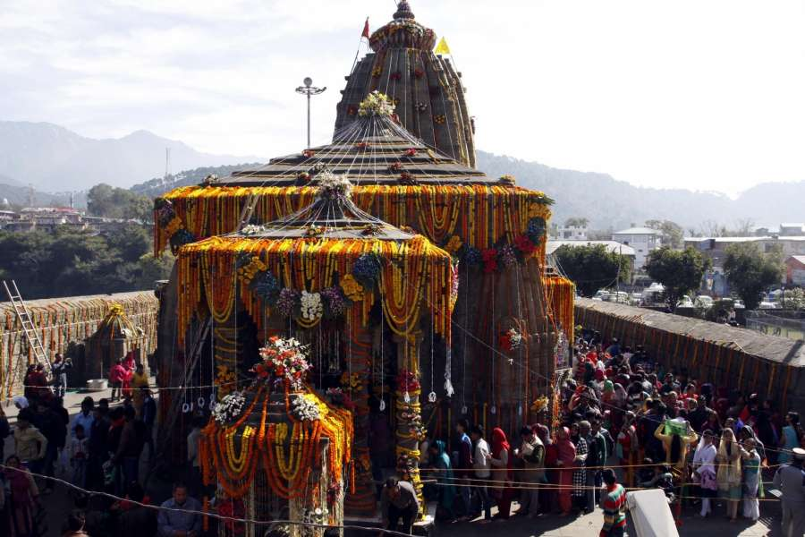 Baijnath: People in large numbers queue-up to worship lord Shiva outside the ancient Baijnath Temple of Himachal Pradesh on Mahashivratri on Feb 24, 2017. (Photo: IANS) by .
