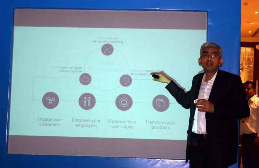 New Delhi: Microsoft India General Manager, Developer Experience and Evangelism Narendra Bhandari showcases cloud based IoT solution for digital transformation in India Manufacturing in New Delhi, on Dec 12, 2016. (Photo: IANS) by .