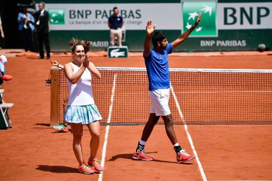 (SP)FRANCE-PARIS-TENNIS-ROLAND GARROS-MIXED DOUBLES-FINAL by .