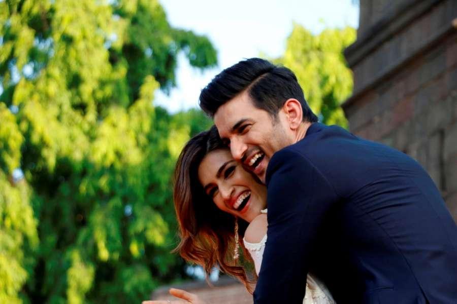 Mumbai: Actors Sushant Singh and Kriti Sanon during promotions of their upcoming film