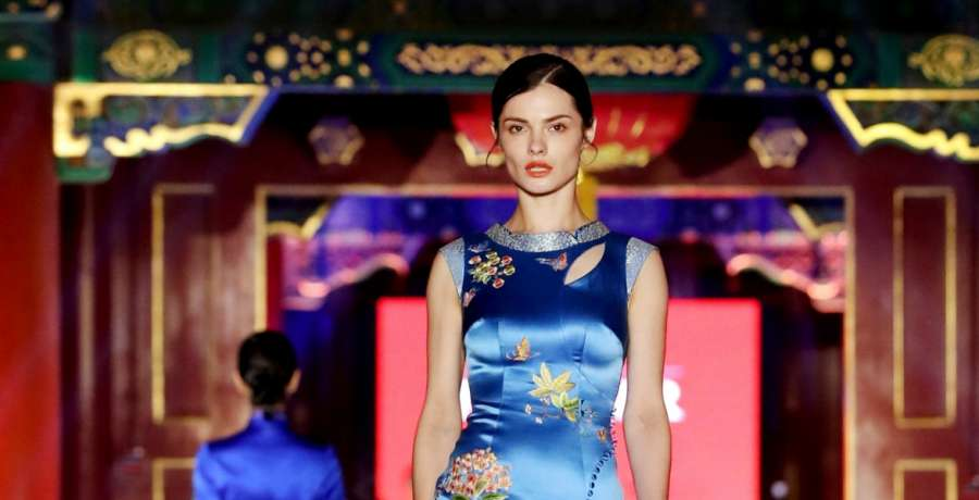 BEIJING, June 6, 2017 (Xinhua) -- A model presents a creation of Suzhou embroidery from designer NE·TIGER during a fashion show on China intangible cultural heritage at Prince Gong's Mansion in Beijing, capital of China, June 5, 2017. (Xinhua/Cheng Min by .