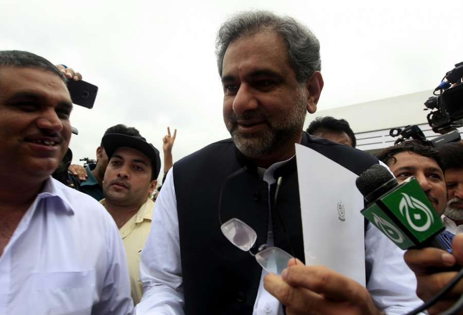 ISLAMABAD, Aug. 1, 2017 (Xinhua) -- Shahid Khaqan Abbasi talks to media upon his arrival at the National Assembly before the election of the new prime minister of the country in Islamabad, capital of Pakistan, Aug. 1, 2017. Pakistan's National Assembly on Tuesday elected Shahid Khaqan Abbasi, candidate of the ruling party, as the country's new prime minister. (Xinhua/Stringer/IANS) by .