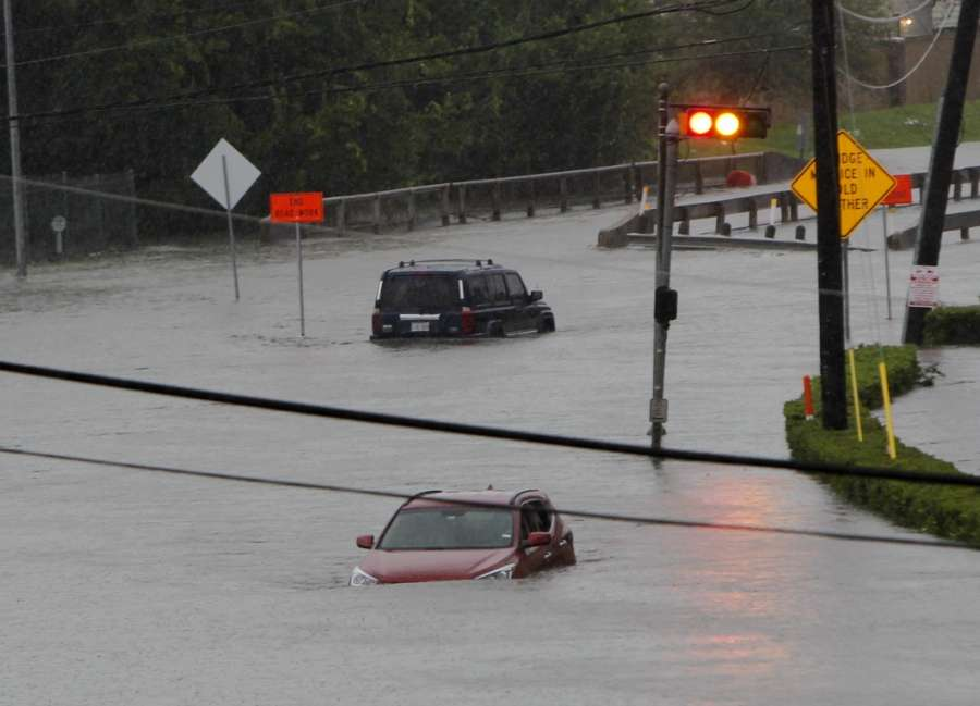 HOUSTON, Aug. 27, 2017 (Xinhua) -- Vehicles are stranded in flood in great Houston area, Texas, the United States, Aug. 27, 2017 as the Hurricane Harvey made its strong landfall over the Texas Gulf Coast Friday night. Widespread and worsening flood conditions prompted the closure of nearly every major road in Houston as the outer bands of Harvey swept through the Houston area over the weekend. Latest news reports said the storm death toll has climbed to at least 5. (Xinhua/Song Qiong/IANS) by .