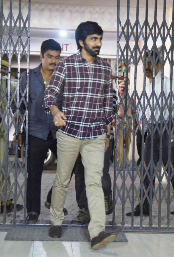 Hyderabad: Telugu actor Ravi Teja appear before special investigation team of the excise department in connection with the ongoing investigation into the drug racket case on July 28, 2017. (Photo: IANS) by .