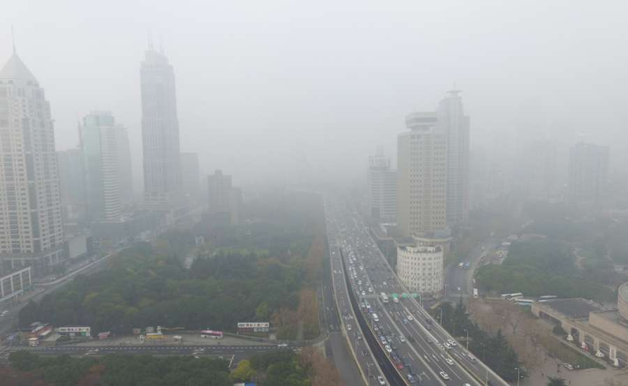 CHINA-SHANGHAI-SMOG-BLUE ALERT (CN) by .