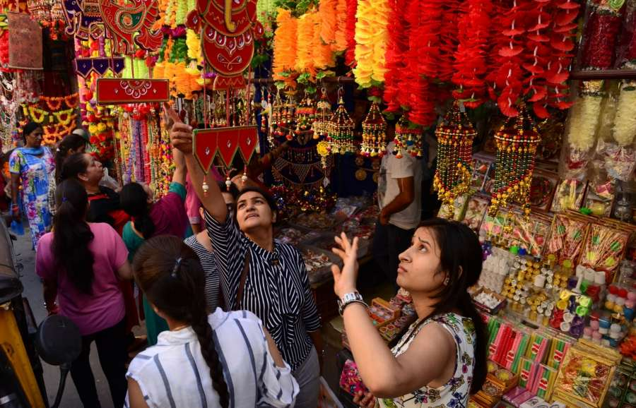 Jammu: People busy shopping ahead of Diwali in Jammu on Oct 17, 2017. (Photo: IANS) by .