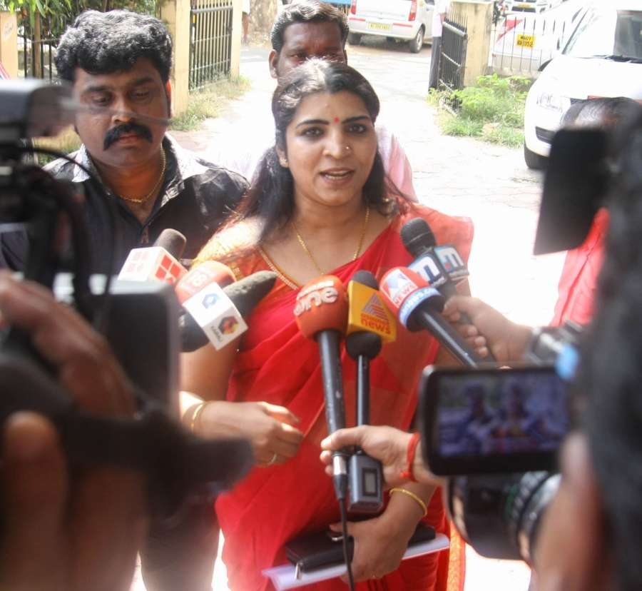 Kochi: Saritha S Nair - the prime accused in the solar scam arrives to appear before Solar Commission in Kochi on Jan 12, 2017. (Photo: IANS) by .