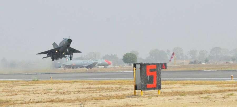 Bhatinda: IAF chief B.S. Dhanoa flies a MiG-21 at Air Force station in Bhisiana of Punjab's Bhatinda,